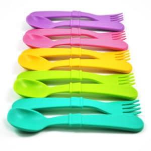 4 sets of utensils