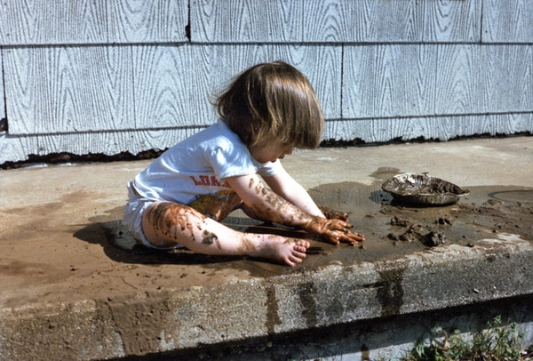 boost immune system for kids by playing in the dirt