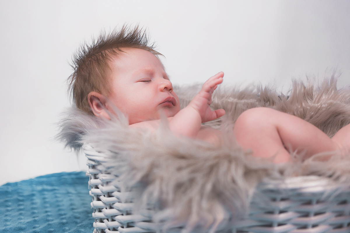 newborn toys - the importance of play and the best toys for babys